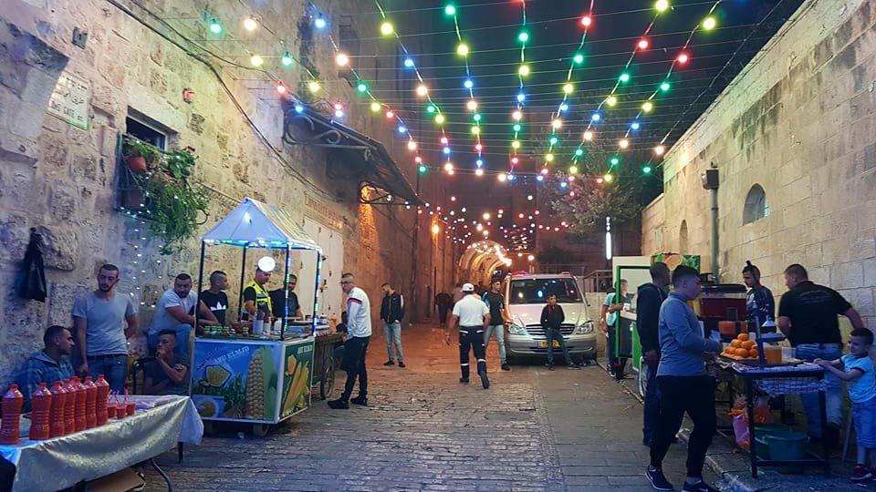 القدس: زينة حارة باب حطة تجذب المصلين في رمضان