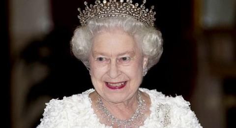 هكذا كانت طلة الملكة إليزابيث يوم زفافها