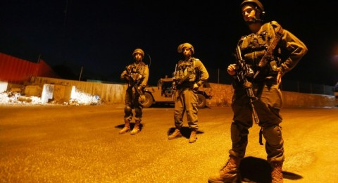 مداهمة منزل عائلة الشهيد- منفذ عملية الطعن في القدس يوم امس