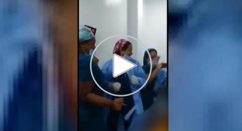 مٌمرضات يرقصن حول مريضة عارية بغرفة العمليات!