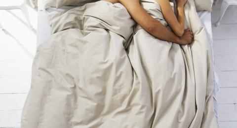 عزيزي الرجل: لماذا تغفو في غضون دقائق من ممارسة الجنس؟
