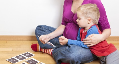كيف تتعاملين مع أسئلة الأطفال المحرجة؟