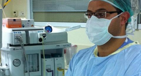 الطبيب جواد خلايلة ينجح في اعادة السمع لمريضىة فقدت سمعها