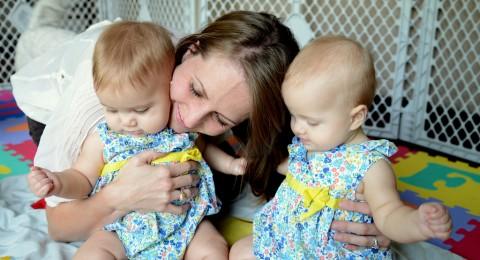 المصادقة بالكنيست على فترة الولادة والابوة لزوج عاملة ولدت توأم