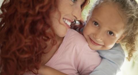 كيف يجب التعامل مع الابناء بعد الطلاق؟
