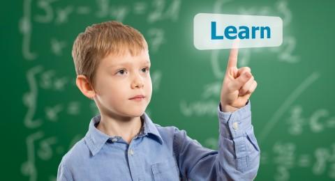 بحث: الأطفال الذين يتحدثون لغتين أفضل في حل المشاكل