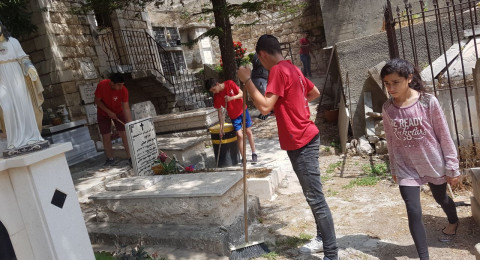 الناصرة: سرية كشافة ومرشدات يسوع الناصري تنظف وترتب مدافن الطائفة الارثوذكسية