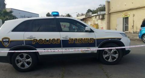 المركز: فلسطينيون دون تصاريح والشرطة تغلق كراجي سيارات