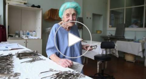بالـ90 من عمرها .. جراحة روسية أجرت 10 آلاف عملية وتواصل عملها