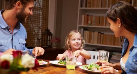 سؤال مؤرق.. الاستغناء عن العشاء يقي من زيادة الوزن؟