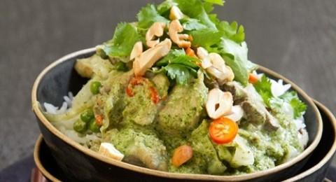 وصفة اليوم من مجلس تربية الدواجن: الدجاج بالكاري الأخضر مع الفقع والكاشيو