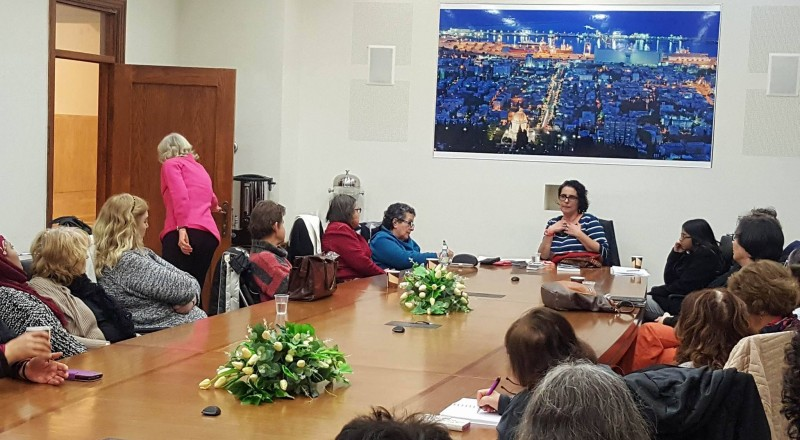 حيفا: محاضرة للنشاطة النسوية الحيفاوية خلود خميس حول النسوية والجندرية