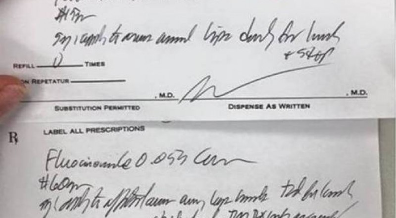 في هذه الدولة، المحكمة ألزمت الأطباء بان يكتبوا بخط مقروء