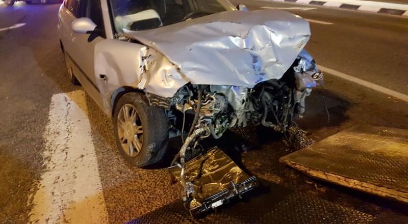 حادث طرق مروّع قرب الناصرة، وإنقاذ المصاب بعدما علق داخل السيارة