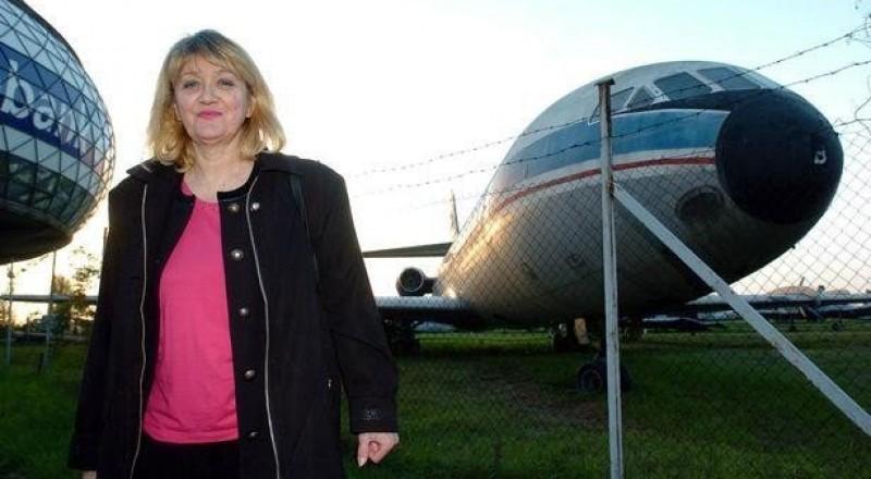 القصة المدهشة لمضيّفة طيران سقطت من 10 آلاف متر