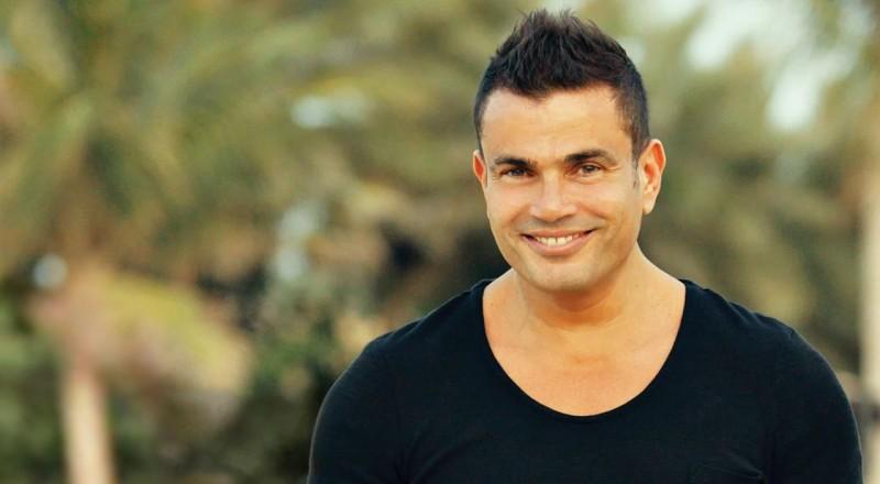 عمرو دياب بردّ فعل غريب في حفل زفاف.. شاهدوا ماذا حصل!؟