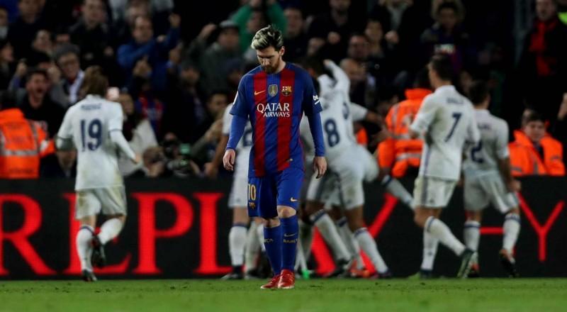 رئيس برشلونة يعترف بصعوبة تجديد عقد ميسي