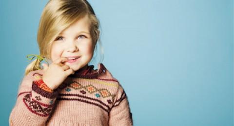 ماذا عن قضم أظافر طفلتي المزعج؟