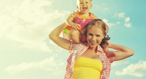 إليكم نصائح هامة لتربية طفل سعيد