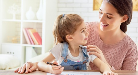 إتيكيت تعامل الأهل مع الأطفال قبل الذهاب للمدرسة