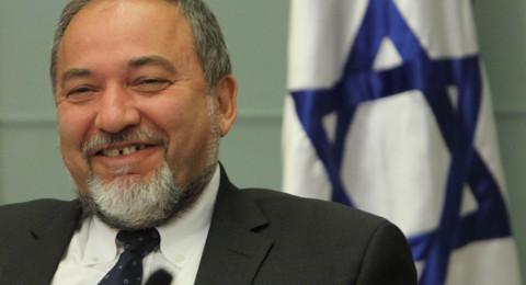 ليبرمان يهدد غزة
