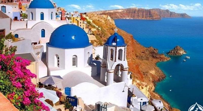 5 أخطاء تجنبها برحلتك الى سانتوريني اليونانية