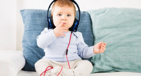 إليك كيفية اختيار الموسيقى لتنويم الاطفال!
