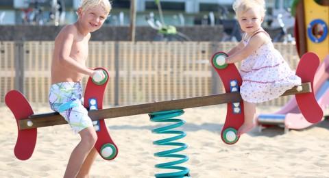 دراسة تكشف أن الابن البكر أذكى من أشقائه الآخرين