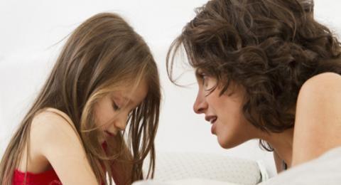 هل يوجد علاج لثرثرة ابنتي في صف الأول؟