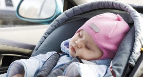 ابتكار جهاز ذكي للحد من وفيات الأطفال في السيارات