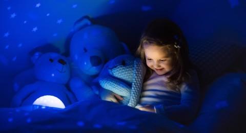 بيجاما ذكية تقص حكايات ما قبل النوم للأطفال