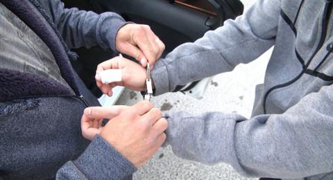 القدس: اعتقال 30 مشتبهًا بينهم 6 عربًا، بشبهة الترويج والتجارة بالمخدرات