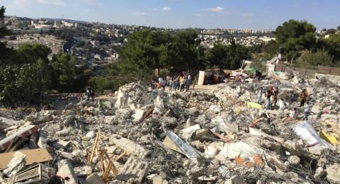 القدس: هدم منزلين في جبل المكبر بحجة عدم الترخيص
