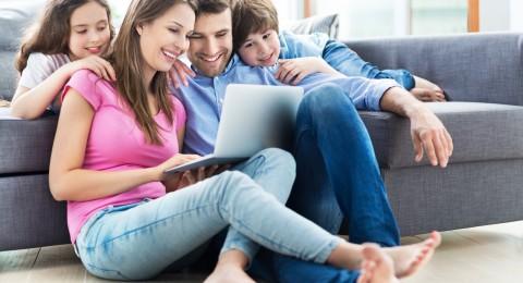 ما الذي يبحث عنه الآباء والأمهات الجدد على مواقع الشبكات الاجتماعية؟