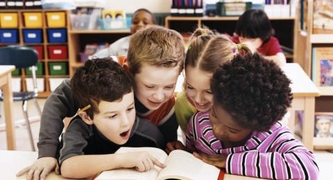 بحث:التعلم ضمن مجموعة يساعد الاطفال على صنع القرار
