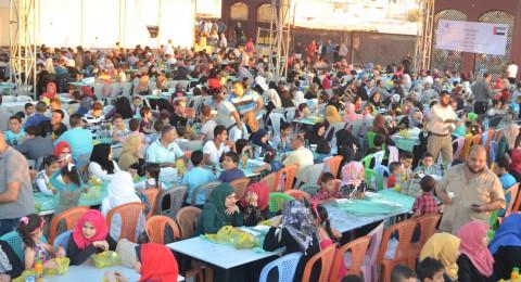 بتمويل من مؤسسة الشيخ خليفة بن زايد نواب فتح يقيمون مأدبة إفطار كبيرة لذوي الأسرى