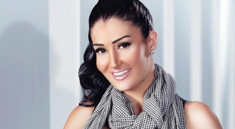 غادة عبد الرازق متهمة بإزدراء الأديان.. والمطالبة بمحاكمتها!