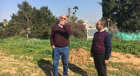 جمعية الأقصى في زيارة ميدانية تفقدية لمقبرة قرية خربة عزون المهجرة