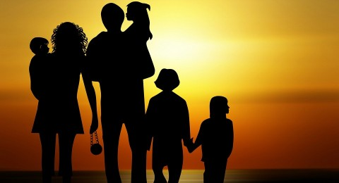 ماذا يقول ترتيبك بين إخوتك عن شخصيتك؟