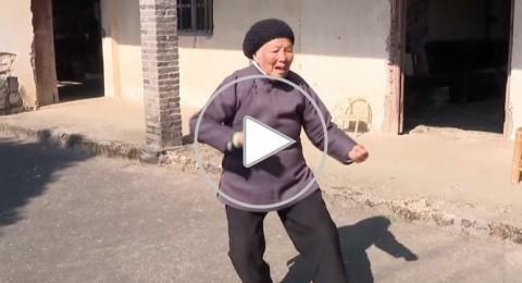 صينية تمارس كونغ-فو في 94 من عمرها