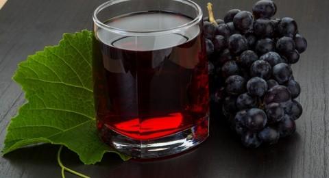 وزارة الاقتصاد توزع حصص لاستيراد عصير عنب معفاة من الجمارك