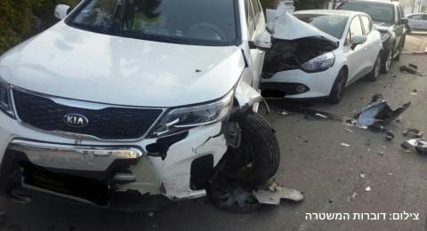 اعتقال مشتبهين بسرقة سيارات في نتانيا وحادث طرق في ايلات