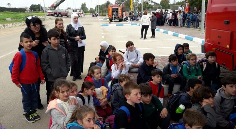 الإطفاء والإنقاذ: بلدة كفر كما الشركسيه تشهد يوم جماهيري بمشاركة مئات الطلاب