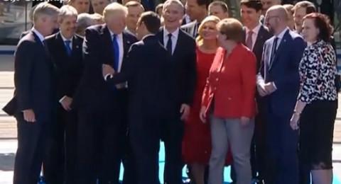 ماكرون يتجاوز ترامب ليحتضن ميركل