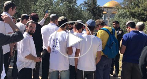 مواجهات في المسجد الأقصى، مئات المستوطنيتن يقتحمون باحات المسجد واعتقال 3 من الحراء