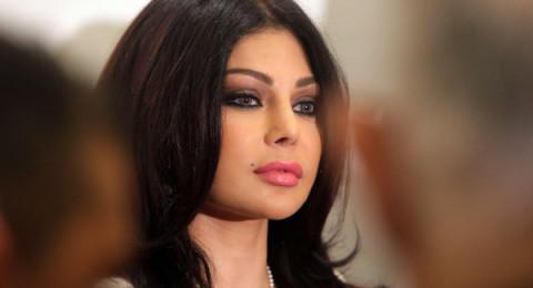 ممثل مصري يطلب الزواج من هيفاء وهبي على الهواء
