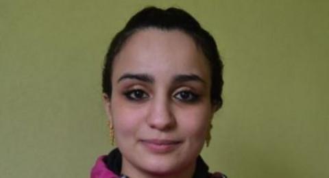 """مغربية أرادت تصميم الأزياء فتحولت إلى """"داعشية"""" عالقة عند أكراد سوريا"""