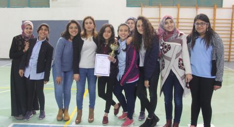 ام الفحم: مدرسة وادي النسور تحصد 13 جائزة قطرية ببطولة اللغة الانجليزية