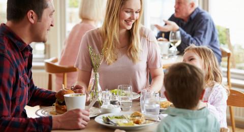 عادات قاتلة لا تفعلها بعد الطعام