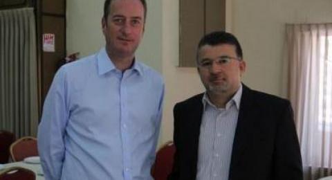 النائب يوسف جبارين يُطلع سفير بريطانيا على اضراب الاسرى ومطالبهم